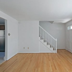Colonial Village Apartments For Rent in Plainville, CT Livingroom