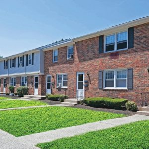 Colonial Village Apartments For Rent in Plainville, CT Building View